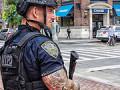 Americký policajt vo fitness centre - nastúpi na WPFG?