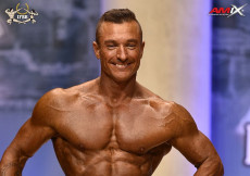 2018 World Master - Mens Physique 45-49y